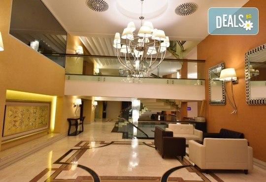 5-звездна Нова година в Hotel Gonen в Истанбул! 2 нощувки със закуски, празнична вечеря с неограничени напитки и DJ парти, транспорт и посещение на Одрин! - Снимка 5