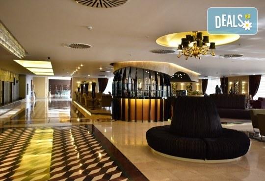 5-звездна Нова година в Hotel Gonen в Истанбул! 2 нощувки със закуски, празнична вечеря с неограничени напитки и DJ парти, транспорт и посещение на Одрин! - Снимка 6