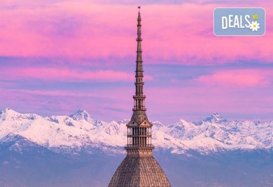 Екскурзия до Милано, Италия, с Дари Травел! Самолетен билет, 3 нощувки със закуски, туристичека обиколка, водач и възможност за 2 тура до Торино и езерaтa Комо и Лугано! - Снимка 6