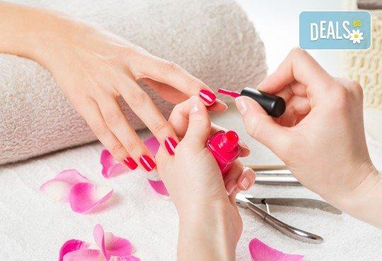 Изграждане с гел и маникюр с гел лак Kodi Professional + 2 декорации в център за красота Енигма! - Снимка 4