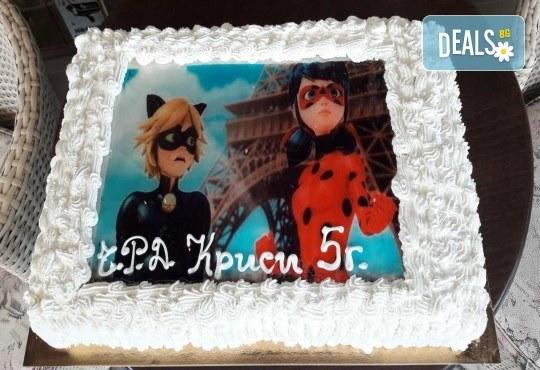 Експресна торта от днес за днес! Голяма детска торта 20, 25 или 30 парчета със снимка на любим герой от Сладкарница Джорджо Джани! - Снимка 2