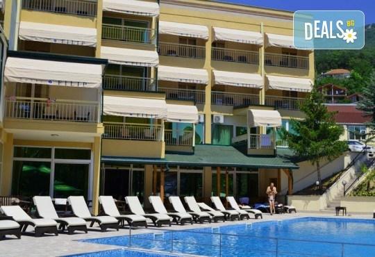 Нова Година 2020 в Охрид, Hotel Filip 4*, с Дари Травел! 3 нощувки със закуски, 2 вечери, Новогодишна вечеря в хотел Belvedere 4*, по желание транспорт - Снимка 6