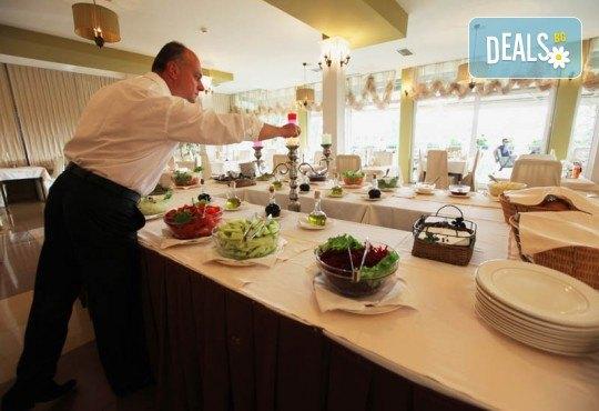 Нова Година 2020 в Охрид, Hotel Filip 4*, с Дари Травел! 3 нощувки със закуски, 2 вечери, Новогодишна вечеря в хотел Belvedere 4*, по желание транспорт - Снимка 13