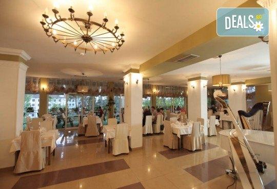 Нова Година 2020 в Охрид, Hotel Filip 4*, с Дари Травел! 3 нощувки със закуски, 2 вечери, Новогодишна вечеря в хотел Belvedere 4*, по желание транспорт - Снимка 14