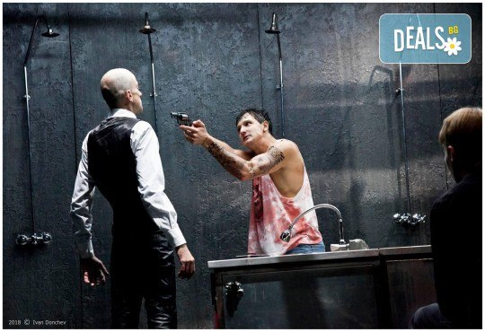 Гледайте комедията Килър Джо с Малин Кръстев на 9-ти декември (понеделник) в Малък градски театър Зад канала! - Снимка 9