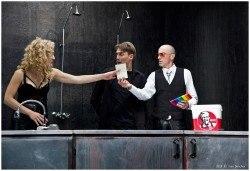 Гледайте комедията Килър Джо с Малин Кръстев на 9-ти декември (понеделник) в Малък градски театър Зад канала! - Снимка