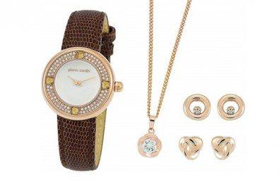 Комплект на Pierre Cardin с часовник, колие и два чифта обеци - Снимка