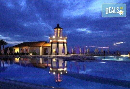 Нова година в Sealight Resort Hotel 5*, Кушадасъ, Турция! 3 или 4 нощувки на база All Inclusive и празнична гала вечеря! - Снимка 5
