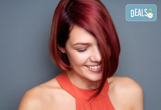 Боядисване с боя на клиента, терапия с продукти според нуждите на косата и прав сешоар в салон за красота Diva - Снимка 1