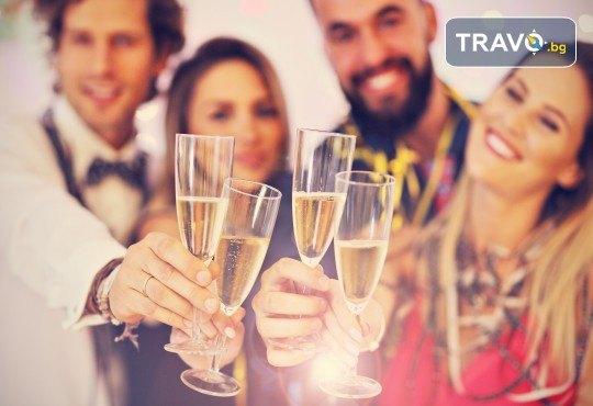 Нова година в Охрид: 3 нощувки със закуски във вила Александър 4*, транспорт и водач - Снимка 1