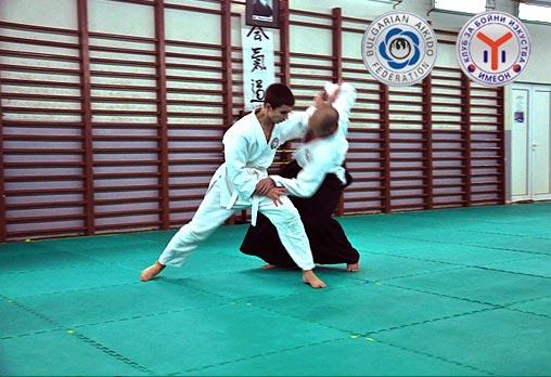 Един месец тренировки по Айкидо, неограничен брой посещения, за възрастни или деца - за 15лв вместо 50лв от Клуб за бойни изкуства Имеон - Снимка 1