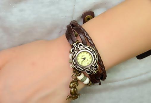 Дамски винтидж часовник, цвят кафяв, декорация - бухал