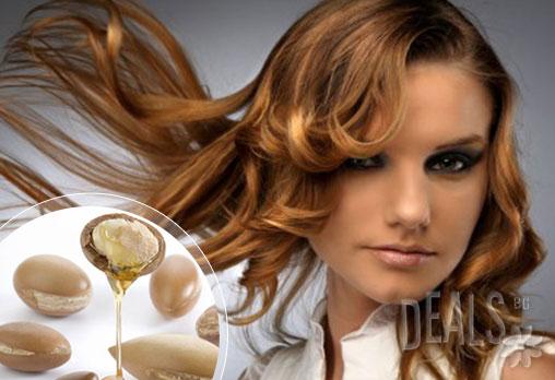 Загадъчна визия! Арганова или кератинова терапия + инфраред сешоар за вкарване на активните съставки на терапията и прическа в луксозния салон GALLERIA OF BEAUTY за 8.90 лв!