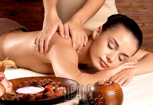 Отървете се от болката и напрежението! Лечебен масаж на цяло тяло - 70 минути само за 19.80лв вместо за 40лв от Салон за красота Феникс в Младост!