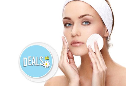 Красива кожа с дълбоко почистваща терапия ProfiDerm, включваща почистване, пилинг и масаж на лицето в студио Аделайн!