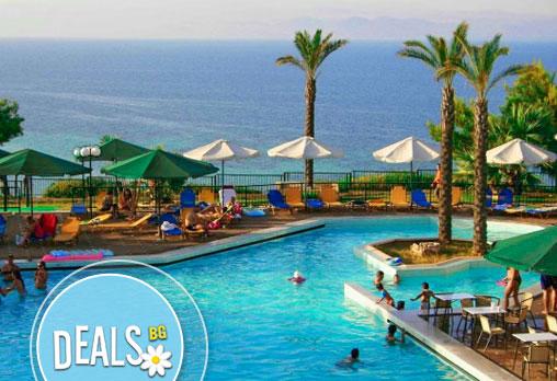 Жарко лято в Aristoteles Beach Hotel Bomo Club 4*, Халкидики, Гърция! 4/5/6/7 нощувки на база All Incl. от Океания Турс!