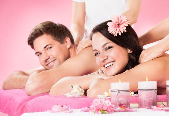Отдайте се на заслужен релакс и романтика с любимия Ви човек! Цялостен 60 минутен масаж за двама в салон Лаура стайл!