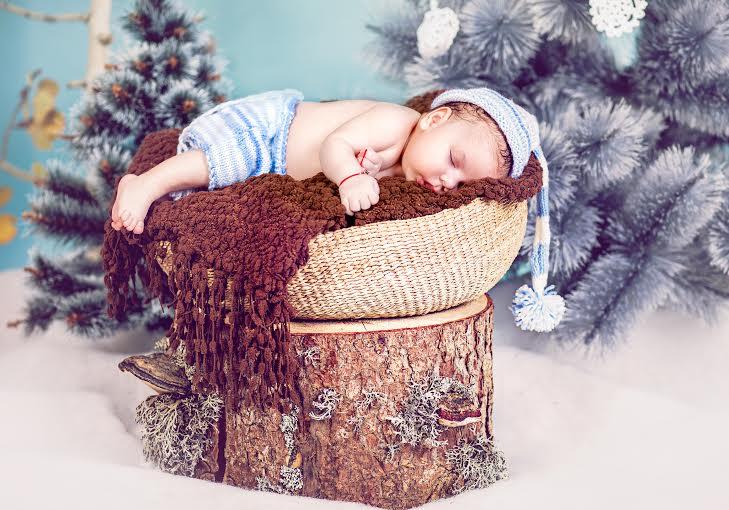 Детска, бебешка или семейна фотосесия в студио с 12 обработени кадъра от Приказните снимки!