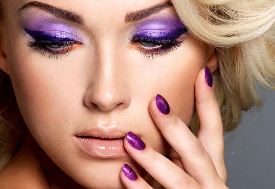 Подарете на ръцете си красота и изисканост с дълготраен маникюр с гел лак CND в Моник СПА клуб 3!