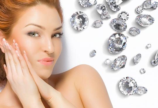 Сияйна и гладка кожа с диамантено микродермабразио и бонус 10-минутен масаж на лице в център за здраве и красота Шърмейн