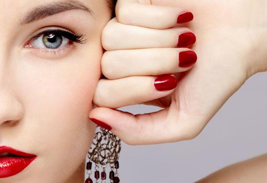 Впечатляващи нокти! Класически маникюр с гел лак Susie Eileen или с Gelish по избор в салон за красота Виктория!