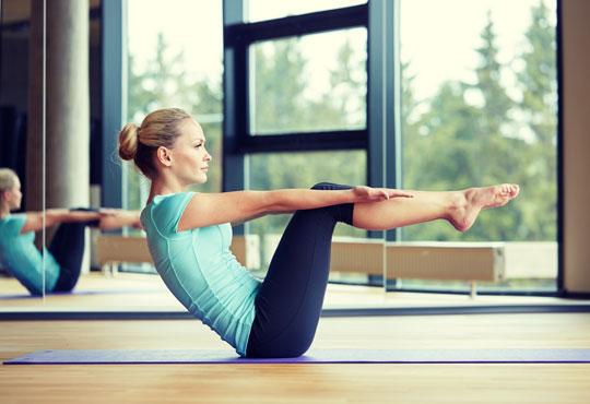 Премахнете стреса и умората и оформете тялото си! Две посещения на пилатес или ащанга йога в студио Beauty & Prana