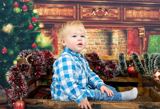 Професионална детска/семейна фотосесия с възможност за Коледна тематика и богат реквизит от Ivan Lambrev Photography