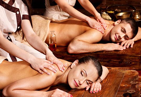 Ароматен релакс масаж на гръб с канела за ДВАМА плюс Hot stones и масаж на лице в SPA ''Senses Massage & Recreation''