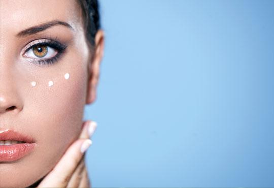 Очи без тъмни кръгове и торбички! Интензивна лифтинг терапия за очи с Eye care line на лаборатории Tegor и БиоАрсон