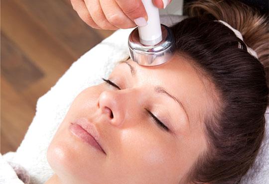 Вълшебство с RF лифтинг на лице, пилинг и маска, криотерапия в салон за красота АБ - Снимка 1