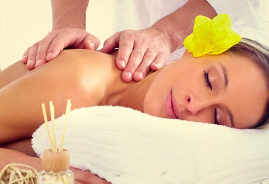 Релаксирайте и се избавете от болките със 70-минутен лечебен масаж на цяло тяло в Йога и масажи Айя!
