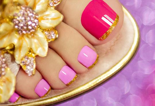Подарете на ноктите си нежна терапия и свеж цвят! Медицински педикюр и лакиране в цвят по избор в козметично студио VG