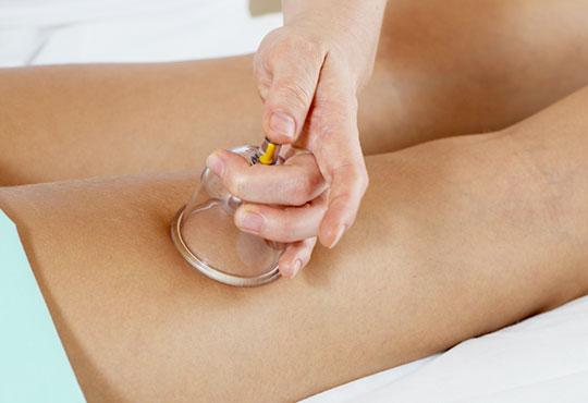 Оформете тялото си с антицелулитна терапия - вакумен масаж, RF и кавитация в салон Nails club в Младост 4!