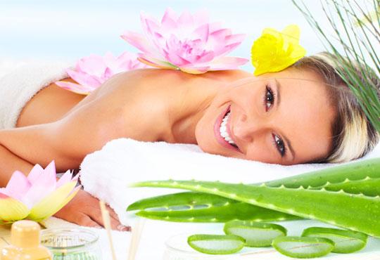 Отпуснете тялото и сетивата си с 60-минутен хавайски масаж ломи-ломи на цяло тяло, лице и скалп в Wellness Place BEL!