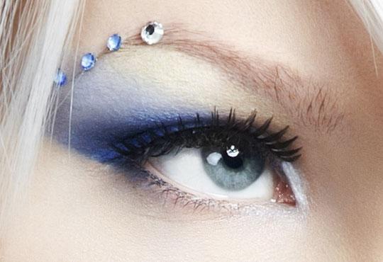 Сдобийте се с приковаващ поглед с поставяне на мигли от коприна по метода косъм по косъм в салон Белисима!