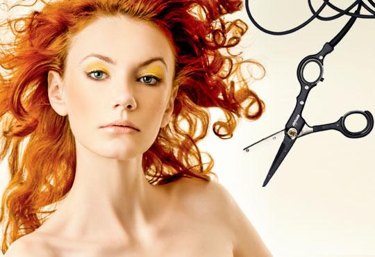 Подстригване с гореща ножица и по избор сешоар, боядисване или терапия в салон Женско Царство