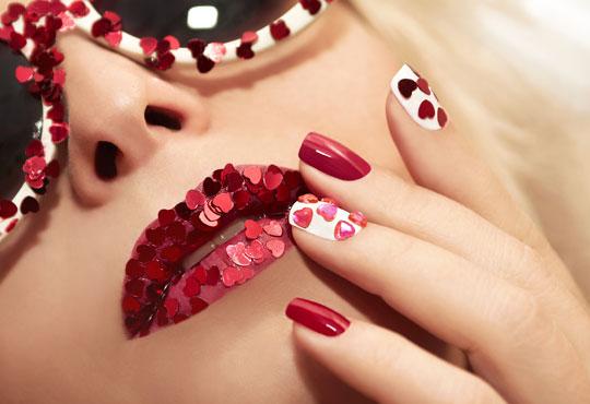 Зашеметяващи нокти! Маникюр с гел лак с неограничен брой декорации и камъчета в салон за красота Черно и бяло!