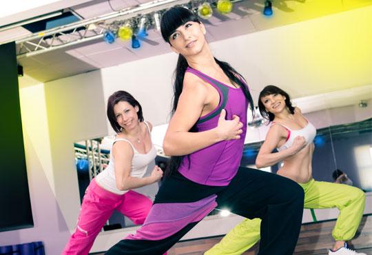 Време е да раздвижите тялото си! Енегрия и забавление с 2 тренировки по зумба в Alma Libre Dance Academy, Варна