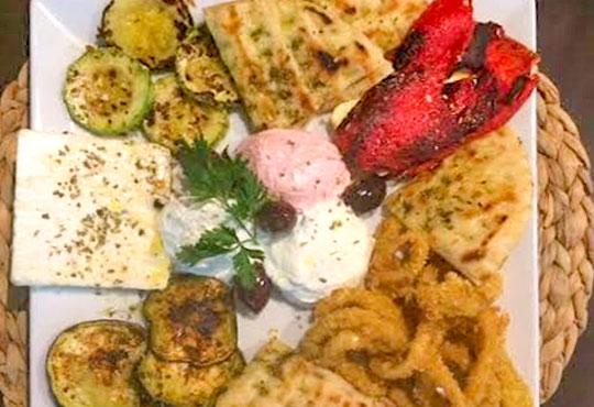 Неустоимо предложение! Пренесете се в съседна Гърция с гръцки специалитет за двама в ресторант MFusion, Варна!