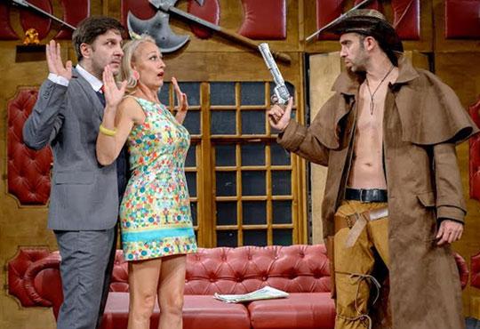 Гледайте най-новия спектакъл на Театрална къща Viva Arte - Опасно за живота, на 31.03. от 19ч, Открита сцена Сълза и смях