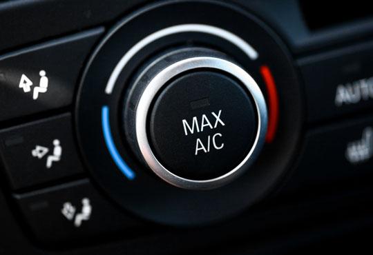 Профилактика и дозареждане на автоклиматична системa на автомобил с италиански фреон R134 от Макс Газ!