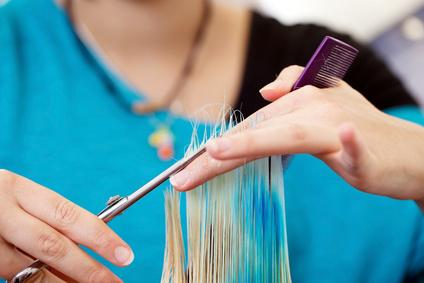 Майсторско подстригване от стилисти Борислав Ярчев и Маги Андреева в новото BM Hair Studio в центъра на София!