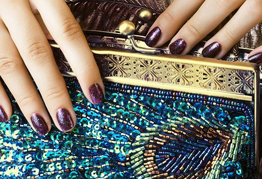 Красиви ръце! Маникюр + цвят от палитрата на O.P.I. или L'Oreal и 2 декорации в Студио Chocolate