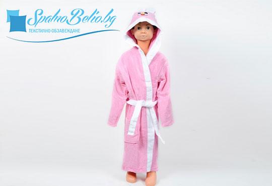 Подарете на Вашето дете нежно докосване и страхотна външност със забавен детски халат, 100% памук от SPALNOBELIO.BG!