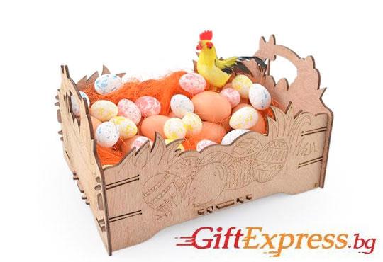 Внесете уют за празника - декорирайте смело! Дървена щайгичка с пирографирани великденски яйца от Gift Express!
