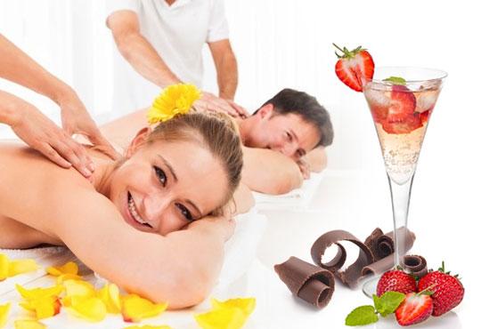 60-минутен DUO Blissмасаж за двойки, с масла от шоколад или ягоди и шампанско от Wellness Center Ganesha Club!