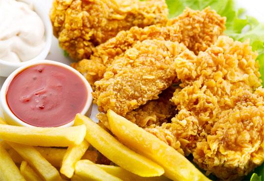 1.5 кг. плато пилешки флейки пане с корнфлейкс и сусам, млечен сос и пресни пържени картофки от ресторант Nicol, Пловдив