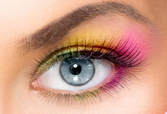 Приковаващ поглед! Поставяне на копринени мигли по технологията ''косъм по косъм'' в салон за красота Феерия!