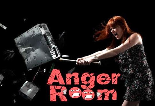 Дайте свобода на гнева в Anger Room! Разбийте електронни уреди, дървени мебели, прозорец и една изненада! GoPRO запис за Вашия личен архив!