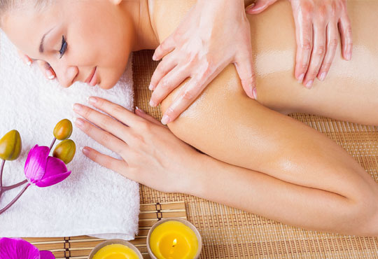 45-минутен болкоуспокояващ масаж на гръб с био масла на Dr. Spiller от кинезитерапевт в козметично студио Beautу, Лозенец!